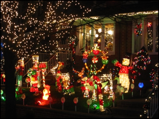 Decoración navideña en Dyker Heights05