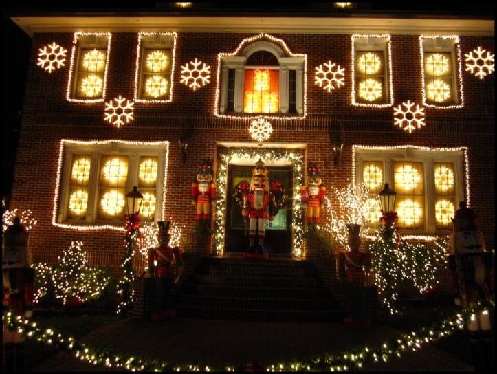 Decoración navideña en Dyker Heights08