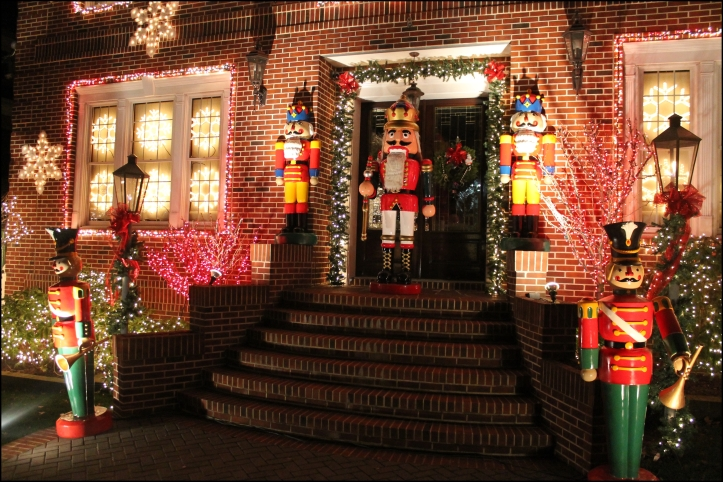 Decoración navideña en Dyker Heights10