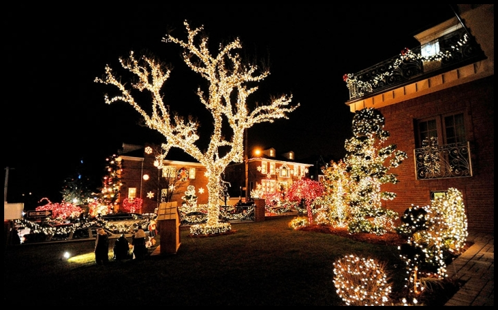 Decoración navideña en Dyker Heights11