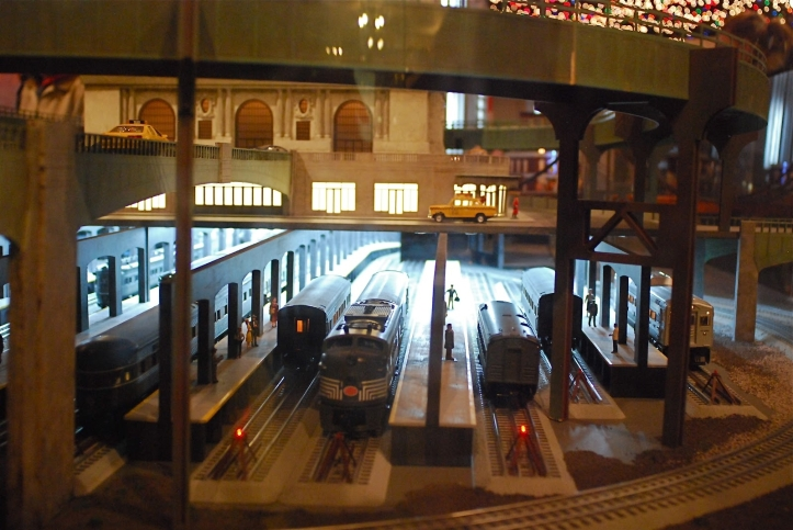 Grand Central Holiday Train Show01