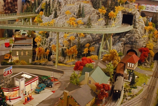 Grand Central Holiday Train Show04