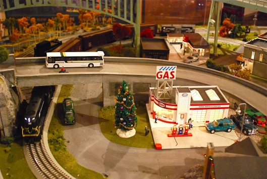 Grand Central Holiday Train Show05
