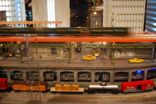 Grand Central Holiday Train Show06