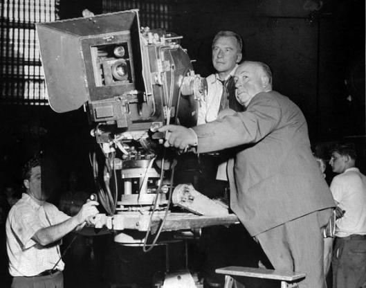 """Alfred Hitchcock, durante el rodaje de """"Con la muerte en los talones"""" en Grand Central Terminal."""