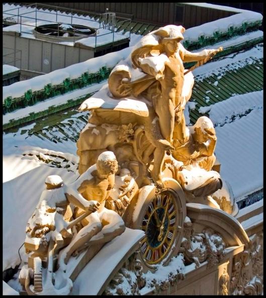 Mercury, Minerva and Hercules bajo la nieve