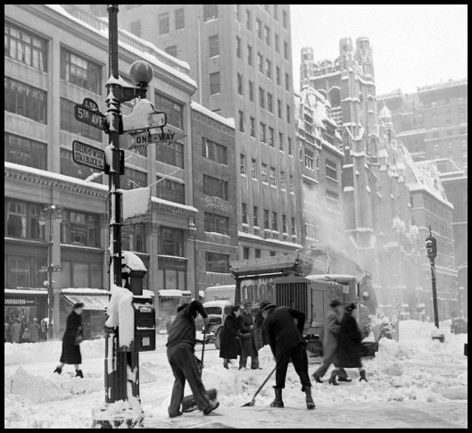 5th avenue Snow  - Mark Kauffman