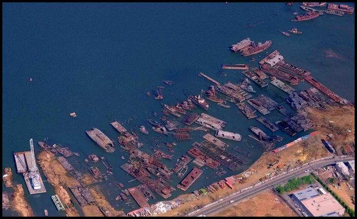 Cementerio de barcos de Staten Island003