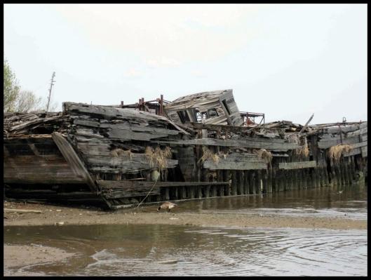 Cementerio de barcos de Staten Island009