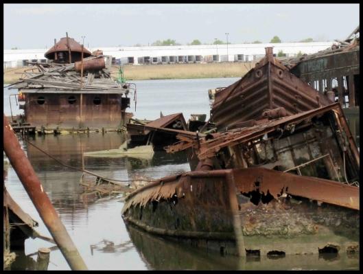 Cementerio de barcos de Staten Island010
