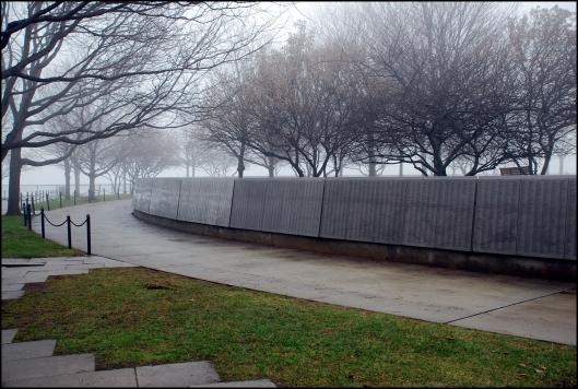 """""""Wall of Honor"""", con los nombres inscritos de 700.000 personas que entraron a Estados Unidos por Ellis Island"""
