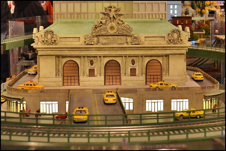 Holiday Train Show 2013005