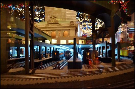 Holiday Train Show 2013010