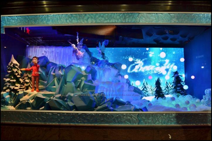 Macy's 2013 Holiday Show Window002