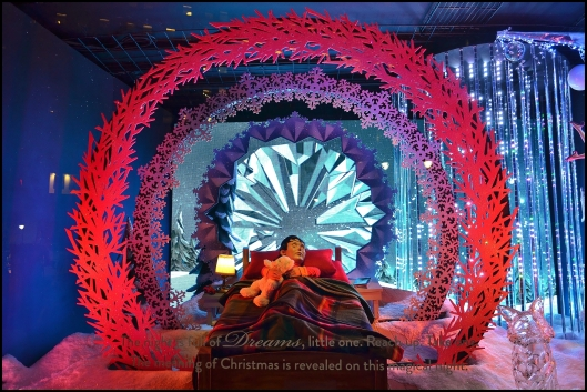 Macy's 2013 Holiday Show Window004
