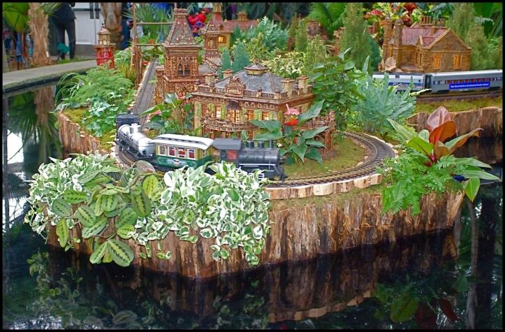 New York Botanical Garden's Holiday Train Show 001