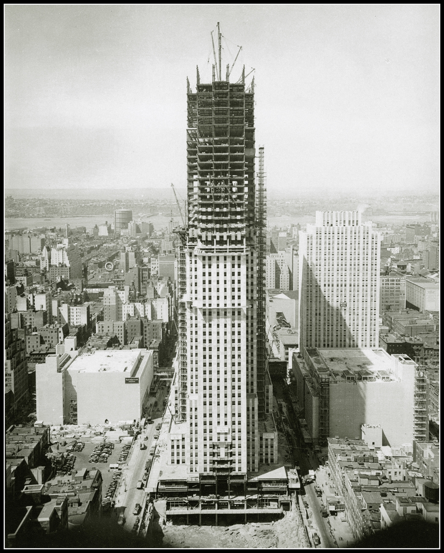 Empire state building under construction historias de - Construction en rondins empiles ...