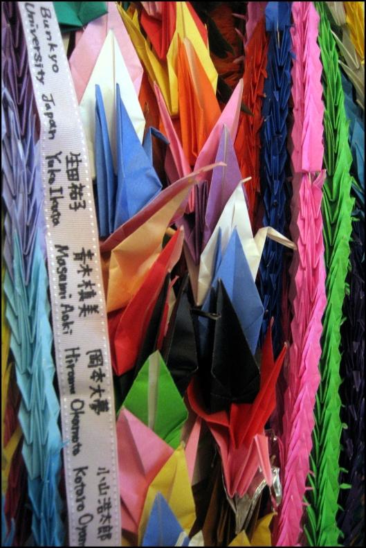 Grullas de papel en recuerdo a  Sadako Sasaki - St. Paul's Chapel (Nueva York)