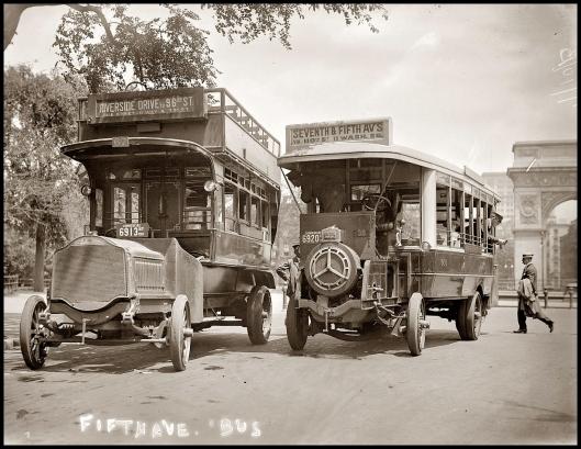 Buses en Quinta Avenida (1913)