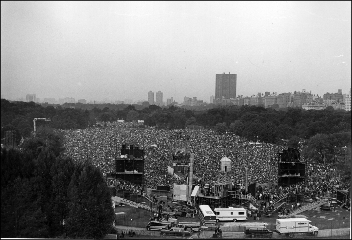 Simon and Garfunkel concert audience on Great Lawn, 1981