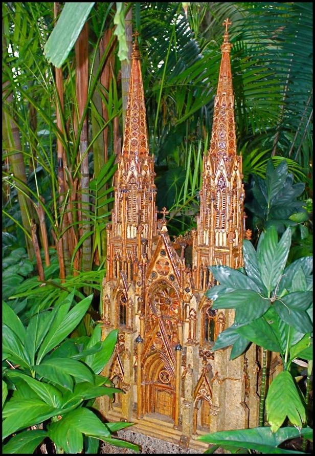 new-york-botanical-gardens-holiday-train-show-003